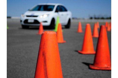 Zážitek - Zábavný kurz bezpečné jízdy - Ústecký kraj Škola smyku
