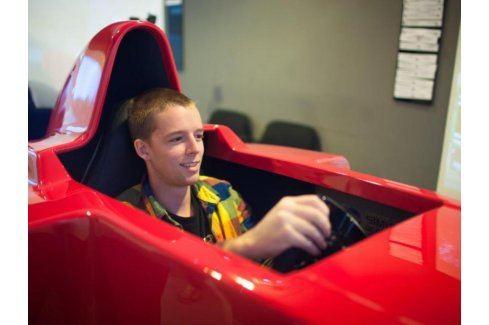 Zážitek - Závodní simulátor Formule 1 - Praha Závodní simulátory