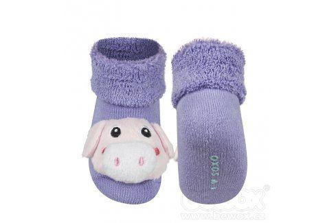 SOXO Kojenecké ponožky s chrastítkem PRASÁTKO fialové Velikost: 16-18 Dětské ponožky s chrastítkem